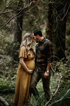 Photographs – Memories That Last Forever – Maternity Photographer Photographs – Memories That Last Forever Moody bohemian maternity photos Bohemian Maternity Photos, Fall Maternity Shoot, Fall Maternity Pictures, Maternity Photography Outdoors, Maternity Poses, Maternity Portraits, Photography Ideas, Pregnancy Photography, Maternity Session