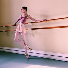 Shall We Dance, Just Dance, Dance Dreams, Dance Movement, Dance Poses, Tiny Dancer, Ballet Photography, Ballet Beautiful, Dance Pictures