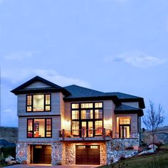 35 Canyon View Drive has stunning mountain and golf course views, a gourmet kitchen, luxurious master suite, and a walkout to a private patio with outdoor kitchen and firepit. | #thepowderhorn #mountainliving