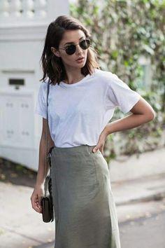 When styling neutrals, like this khaki skirt, it's easiest to go with a fresh white or black. Wearing: Bassike white t-shirt, Albus Lumen khaki skirt, Gucci Dio Fashion Mode, Look Fashion, Fashion Beauty, Fashion Trends, Spring Fashion, Fashion Basics, Vogue Beauty, Women's Fashion, Fashion Hacks