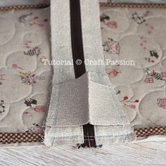 sew zipper to pouch