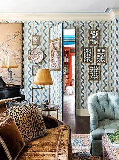"""Dallas native and Atlanta resident Danielle Rollins knows a thing or two about Southern style. Southern Living donned her, """"Atlanta's preeminent hostess and tastemaker,"""" and, peeking inside her home, we can see why. Pierre Frey, Southern Living, Southern Style, Danielle Rollins, Mug Design, Atlanta Homes, Atlanta Buckhead, Inspiration Design, Love Home"""
