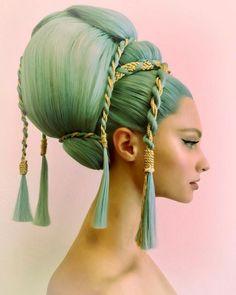 Guido palau for dolce gabbanna alta moda. Hair Art, My Hair, Hair Inspo, Hair Inspiration, Avant Garde Hair, Fantasy Hair, Pretty People, Cool Hairstyles, Fashion Hairstyles