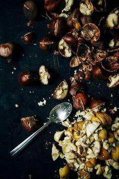 peeling chestnuts //