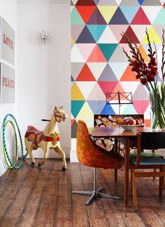3. E que tal fazer um mosaico colorido apenas com tinta e quadrados ou retângulos?