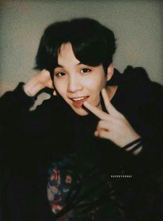 """yoongi polaroids i bet you haven't seen, a short but beautiful thread! Jimin, Min Yoongi Bts, Min Suga, Bts Bangtan Boy, Taehyung, Namjoon, Min Yoongi Wallpaper, Bts Wallpaper, Foto Bts"