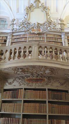 Detalle de la biblioteca del Palacio Nacional de Mafra.