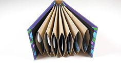 Reutilizando rollos de papel podemos hacer un álbum muy especial para regalar. ¡Atentos!