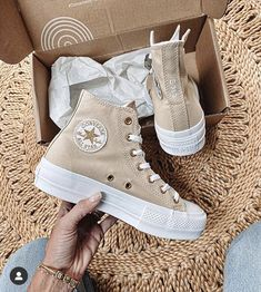 Dr Shoes, Hype Shoes, Me Too Shoes, Converse Haute, Mode Converse, Converse Shoes, Converse High, Platform Converse, Cute Sneakers