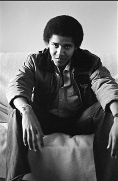 35 Photographs Of Barack Obama As A Young Man - BuzzFeed News