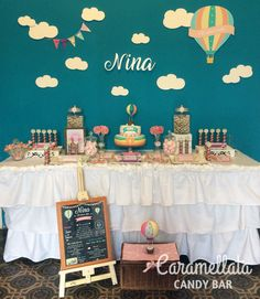 Globos Aerostáticos - Primer Añito Baby Shower, Ideas Para Fiestas, Birthday Balloons, Baby Birthday, Pinwheels, Air Balloon, Christening, First Birthdays, Party Time