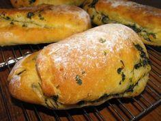 Слоёные хлебцы с петрушкой и чесноком (тесто дрожжевое) : Хлеб, батоны, багеты, чиабатта