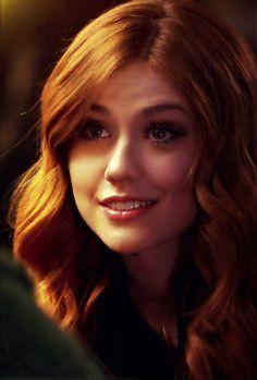 (3) Tumblr Clary Fray, Clary And Jace, Beautiful Red Hair, Beautiful Redhead, Hello Gorgeous, Shadowhunters Tv Show, Honey Hair, Katherine Mcnamara, Red Heads