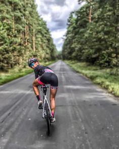 "5,873 Me gusta, 82 comentarios - Sylwia Przybylska (strava) (@syla_przybylska) en Instagram: ""Follow Me #bikersofinstagram #bikeride #bikegirl #bikelife #bikeporn #szosa #garmin #kitfit…"""
