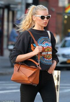 Swedish model and current Victoria's Secret Angel Elsa Hosk was spotted looking casual in a Harley-Davidson sweatshirt as she strolled through Manhattan's Soho Neighborhood in New York City, New York on March Elsa Hosk, Fashion Models, Girl Fashion, Fashion Outfits, Fashion Killa, Style Invierno, Harley Davidson Sweatshirts, Vintage T-shirts, Fashion Vintage