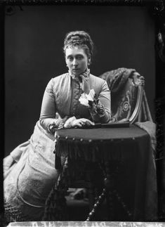 Princess Alice, Grand Duchess of Hesse - National Portrait Gallery Queen Victoria Family, Princess Victoria, Florence Nightingale, Alexandra Romanov, Queen Victoria's Daughters, Grand Duchess Olga, London Photographer, Elisabeth, National Portrait Gallery