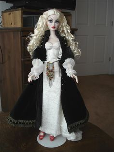 Tonner Evangeline Mortal Love Doll w Black as Night Parnilla Wig Outfit Plus | eBay