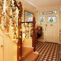 Christmas hallway decorating ideas to impress your guests. These hallway solutions will make you feel festive the moment you step through the front door Christmas Hallway, Cosy Christmas, Christmas Home, Christmas Goodies, Simple Christmas, Christmas Ideas, Merry Christmas, Xmas, Outside Hanging Lights