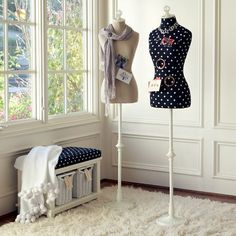 want one of these in my room for designing a new outfit :)