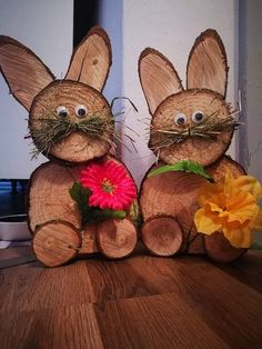 Spring Crafts, Holiday Crafts, Christmas Crafts, Christmas Decorations, Garden Decorations, Wood Log Crafts, Wood Slice Crafts, Easter Garden, Wood Animal