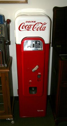 vintage coke signs | Antique Model 44 Coke Machine : Lot 22