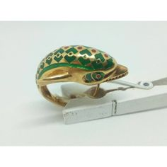 Vintage 18k gold enamel ring with dolphin size 6 (€485) ❤ liked on Polyvore featuring jewelry, rings, enamel ring, vintage rings, gold jewellery, dolphin ring and vintage yellow gold rings