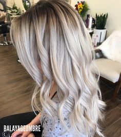One of best Shadowroot amazing work ______________________________________________________ •••••••••••••••Balayageombre •••••••••••••••••• >>>>>#balayage #balayageombre #balayagehighlights #babylights #hairpainting #balayagehair #balayagedandpainted #coloredhair #colormelt #balayageartists #colorhair #goodhair #hairdressing #haircolor #hairstylist #hairdresser #summerhair #beautylaunchpad #americansalon #behindthechair #modernsalon #btcpics #hairbrained #ombrehair #newhair #hotonbeauty…