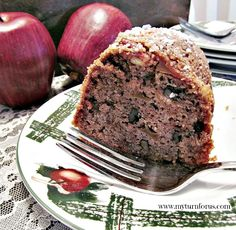 Make this easy Raw Apple Bundt Cake Apple Bundt Cake Recipes, Apple Dump Cakes, Dump Cake Recipes, Apple Desserts, Apple Recipes, Just Desserts, Yummy Recipes, Pound Cake Cupcakes, Bundt Cake Pan
