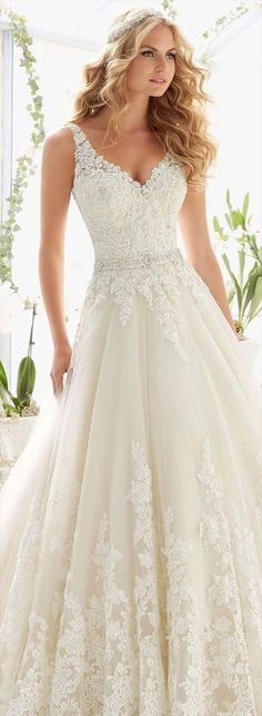 Classic Tulle Ball Gown with Crystal Beaded for wedding