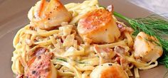 Laissez-vous séduire par sa sauce crémeuse et son bacon Veggie Side Dishes, Fish Dishes, Side Dish Recipes, Bacon Scallops, Pan Seared Scallops, Seafood Recipes, Paleo Recipes, Cooking Recipes, Yummy Recipes