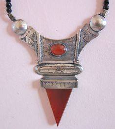 Tuareg Silver Telhakimt/Tanfouk  Pendant with Agath and Carnelean, with Tifinagh signature at the back
