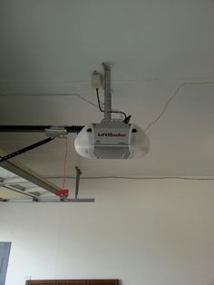 Hopkins MN - Jason installed new Liftmaster chain drive opener on garage door & Model # 170 (non-insulated) from the Traditional Steel Collection ... pezcame.com
