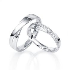 Marriage Rings - Round Diamond Couples Matching Wedding Bands for Him and Her in Gold - jewelocean.co.uk - Marriage rings are the jewel in common between him and you, it is the alliance of a long future and an age-old custom. Think about it, this ring will age along with you so why not choose the best, most beautiful and durable?