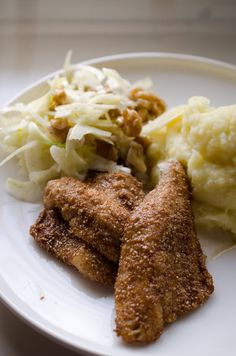 Rye crumbed european perch, mashed potatoes and fennel salad