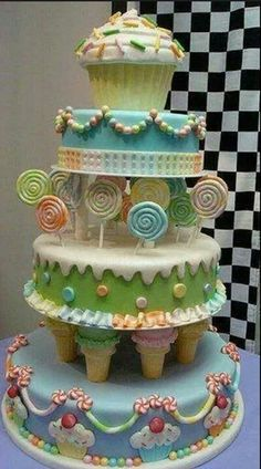 OMG This is amazing! I really need to practice with the fondant to get this good!