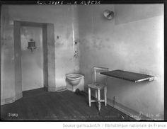 24-4-13, prison de Fresnes, intérieur d'une cellule : [photographie de presse] / [Agence Rol] - 1