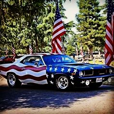 American muscle cars are commonplace in a automotive industry for decades. Fancy Cars, Cool Cars, Route 66, Santa Monica, American Muscle Cars, American Flag, American Freedom, American Pride, Automobile