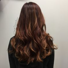 Red dimensional haircolor