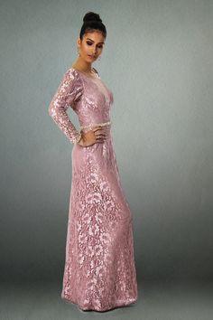 Confira a super oferta da Boutique Online do PoB: estamos anunciando um lindo vestido longo em renda da estilista mineira Patricia Bonaldi. Imperdível!!!