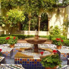 Roman garden fountain, in the ancient Roman style. Beautiful Home Gardens, Amazing Gardens, Beautiful Homes, Home Garden Design, Home And Garden, Roman Garden, Design Oriental, Garden Water Fountains, Fountain Garden