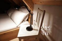 #schlafzimmer #ferienhaus #cottage #kellerstöckl #hotel #bedroom #masterbedroom #doppelbett #vintage #landhausstil #ikea #lampe #lights Desk Lamp, Table Lamp, Before And After Diy, Master Bedroom, Cottage, Lights, Home Decor, Hotel Bedrooms, Twin Size Beds