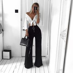 {Classy And Elegant Summer Outfits Classy Shorts Outfits, Night Outfits, Cute Casual Outfits, Short Outfits, Black Pants Outfit Dressy, Modest Shorts, Relaxed Outfit, Emo Outfits, Long Shorts