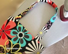 How to Make a Simple Tote Bag - JMB Handmade Diy Fabric Purses, Diy Bags Purses, Fabric Wallet, Patchwork Bags, Quilted Bag, Patchwork Patterns, Easy Tote Bag Pattern Free, Free Pattern, Diy Tote Bag