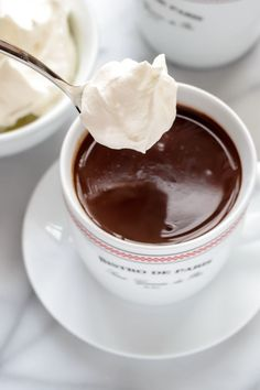 French Hot Chocolate with Whipped Cream I can not wait to try this out. Just add the milk, cream, powder sugar, and espresso in a pan and heat til it bubbles around the edges. Stir in chocolate. Top with whip cream. Just Desserts, Dessert Recipes, Frosting Recipes, Drink Recipes, Yummy Drinks, Yummy Food, Tasty, Smothie, Hot Chocolate Bars