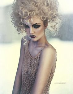 edgy makeup with curly hair do