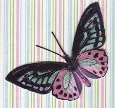 De voelsprietjes van zo'n vlinder zijn meestal te dun om goed uit te knippen. Daarom heb ik ze er afgeknipt en nieuwe gemaakt van ijzergaren. En aan de achterkant bevestigd met tacky glue.