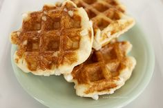 True Belgian Waffles with Pearl Sugar & Yeast. True Belgian Waffles with Pearl Sugar & Yeast, this is such a delicious recipe!A Super Lekker, Authentic Authentic Belgian Waffles Recipe, Easy Belgian Waffle Recipe, Belgian Waffle Maker, Belgian Recipes, Waffle Mix, Liege Waffles Recipe, Pancakes And Waffles, Leige Waffles, Greek Pastries
