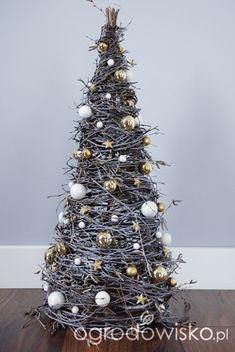 Grapevine Christmas, Hanging Christmas Tree, Cone Christmas Trees, Christmas Wood Crafts, Homemade Christmas Decorations, Diy Christmas Tree, Christmas Mood, Simple Christmas, Christmas Ornaments