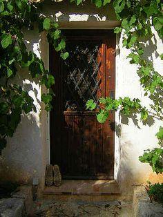 door and vine - Sets: https://www.flickr.com/photos/peterstanway/sets/