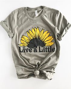 Women Juniors Live A Little Sunflower Print T-Shirt Top Short Sleeve Casual Tee Shirt Blouse >>> For more information, visit image link. (This is an affiliate link) Camisa Hippie, Sunflower Shorts, T Shirt Vintage, Look Rock, Rock Style, Rock Chic, Live A Little, Moda Boho, Short En Jean